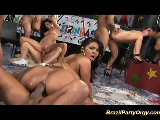 Порно вечеринки бразилия