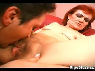 Mature lesbian sluts enjoying in pussy eating