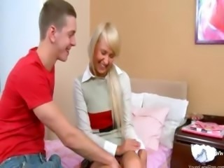 Girl in shoes anal fucked on the bed