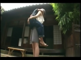 Tall hottie lifts a guy and makes out with him free