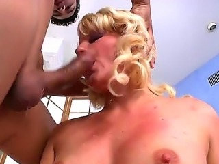 Blonde bitch Casey Cumz takes fat rod of Gabriel A deep into throat and...