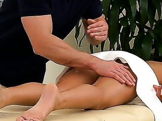 Nikki Daniels comes to the massage parlor to get relaxed, but once Johnny...