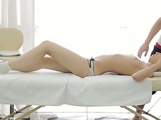 Chestnut girl Jane is a frequent guest of this masseur boy. But today he...