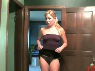 Paige Ashley says she cant decide what to wear for tonights party but The...