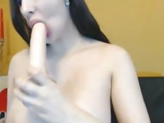 Huge Pierced Titties Babe Masturbating