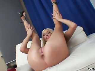 Adorably sexy breathtaker puts on a solo anal show you must see