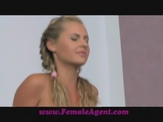 FemaleAgent Gentle giant makes female agent weak at the knees free