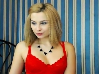 Gorgeous  Blonde Babe Playng Her Pussy on Cam