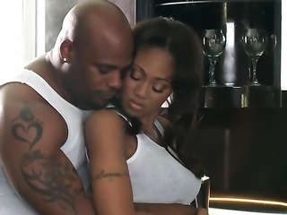 Ebony Evanni Solei takes off her jeans to have sex