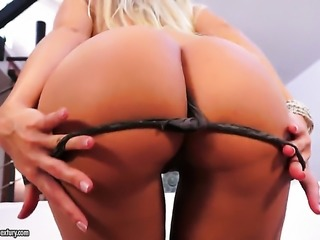 Blonde Dido Angel gives herself some vagina stimulation with the help of her...