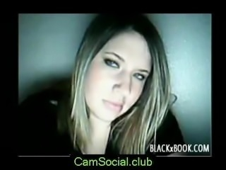 Girl Fisting on CamSocial.club