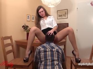 SexyNaty mit dem Hals nassgemacht
