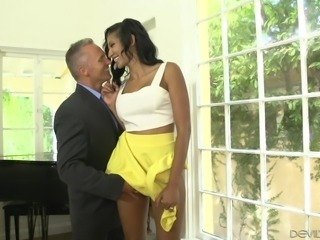 he fingers the boss' wife @ seduced by the boss's wife