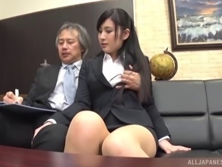 Seino just loves when her boss decides to penetrate her on the couch