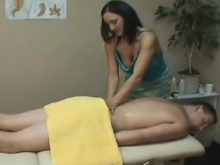 Amateur Handjob massage with oil