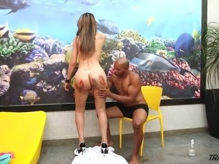 Have a look at really appetizing big bubble ass of Samantha Plugies