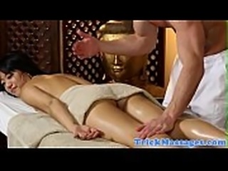 Asian amateur plowed by her masseur