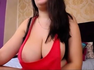 slut summerserendipity flashing boobs on live webcam