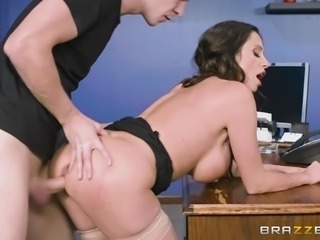 Ariella Ferrera is a nasty MILF who loves being fucked up her ass