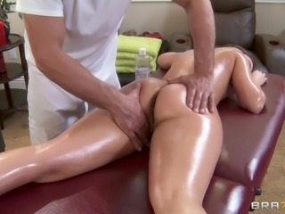 She was hoping for a relaxing massage, but the masseur gave her a little bit...