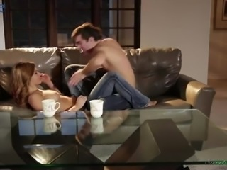 Foot massage ends up as steamy missionary sex with kinky Leah Gotti