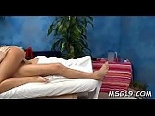 Voluptuous vixen screams with agonorgasmos bouncing on boner
