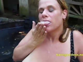 Busty hot tub cock sucker