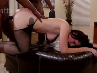 Hotwife screams in joy while gangbanged by BBCs