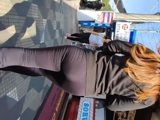 Amazing ass tight pants