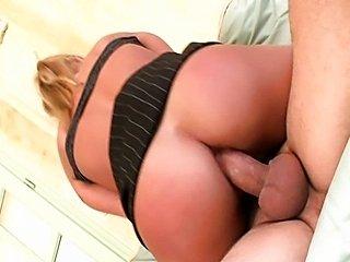 Kyra Banks is one sexy secretary