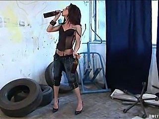 Carol Vedraminy drunken solo